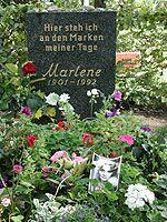 marlene-dietrich-grab_150.jpg (150x200, 14Kb)