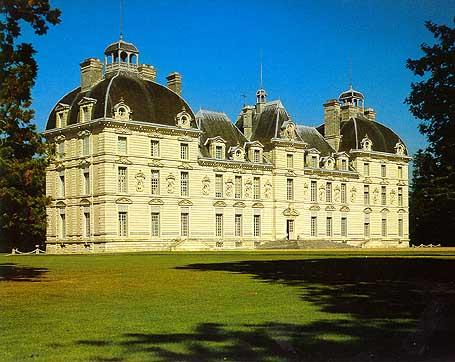 Замки Луары:Замок Шеверни-b Экскурсии /b в.