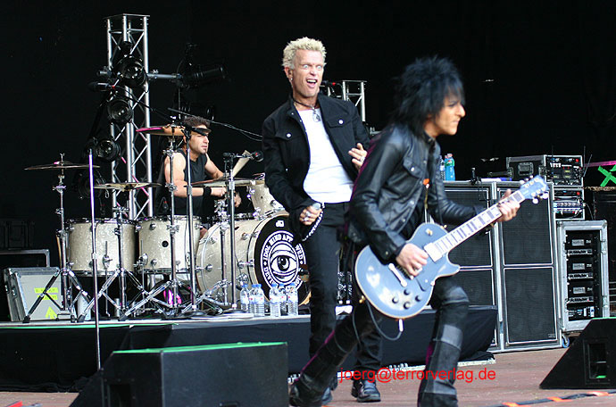 050604-Billy-Idol-17.jpg (690x456, 96Kb)