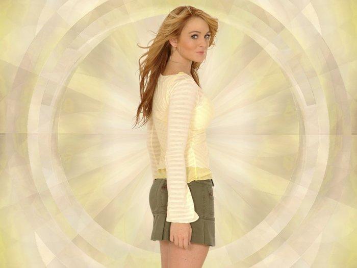 Lindsay_Lohan_wp3.jpg (700x525, 36Kb)