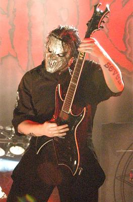 slipknot-joey-gil.jpg (264x399, 20Kb)